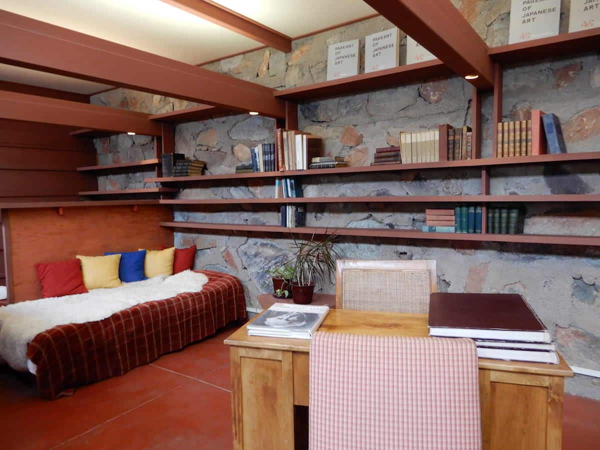 Frank Lloyd Wright bedroom, Arizona